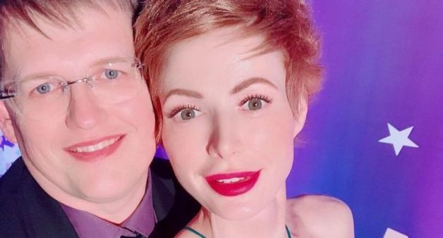 «У Вас муж «женственный»»: в сети бурно обсуждают романтическое селфи Елены-Кристины Лебедь с Розенко
