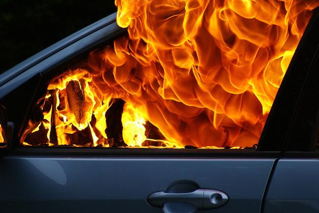 В Киеве сожгли машину адвоката