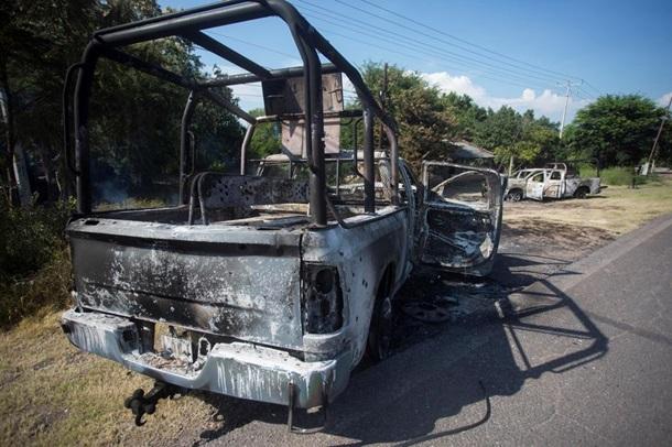 Вооруженные боевики в Мексике убили 14 сотрудников полиции