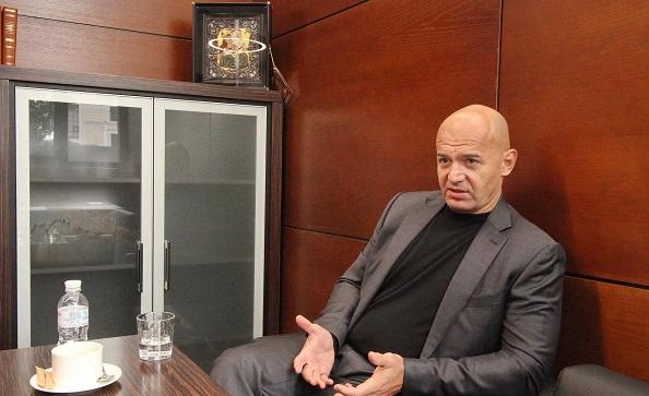 Кононенко в Стамбуле опроверг заявление Лещенко о его задержании в Борисполе
