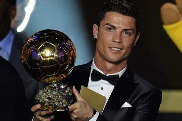 Мать Роналду обвинила мафию в проблемах с получением «Золотого мяча»