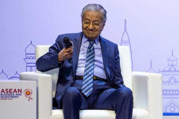 Премьер-министр Малайзии пригрозил ЕС покупкой российских самолетов