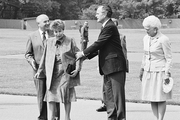 Михаил Горбачев подчинялся жене, стоило той лишь бровью повести