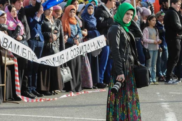Британский турист извинился перед чеченцами за то, что обозвал местных девушек «цыпочками»