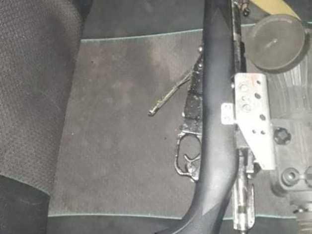 В Черкасской области задержали мужчину: в автомобиле вёз винтовку, прицел и глушитель
