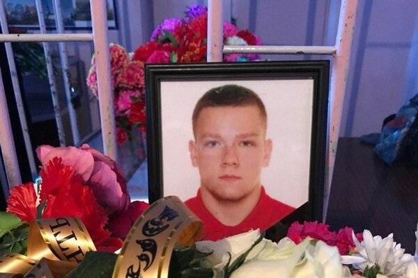 В сеть попали фото и видео Алексея Голубничего в гробу