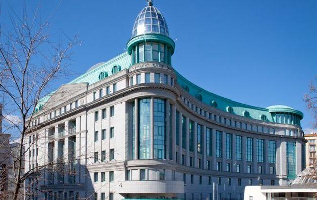 """Банк """"Аркада"""" выдаст кредит 302 млн грн связанному лицу, нарушая нормативы Нацбанка"""