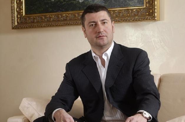 Долги и «отжатый» бизнес. Ради чего Олег Бахматюк остается в Украине