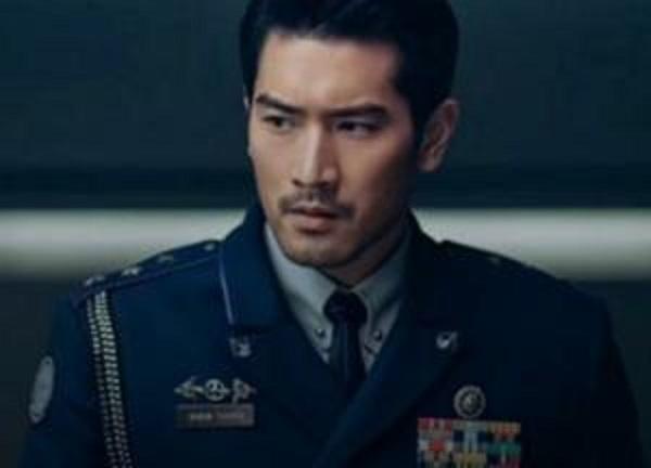 Известный актер умер прямо во время съемок в Китае
