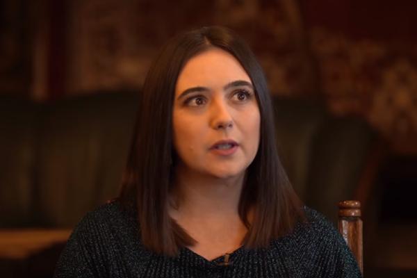 """""""У меня бедная семья, мы голодали"""": Мендель поделилась откровениями о личном"""