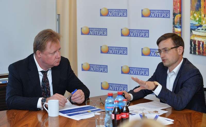 Майкл Джон Фогго и директор УНЛ Андрей бочковский