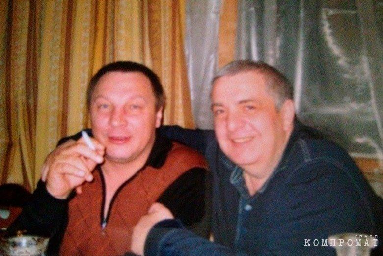 Владимир Бирюков (слева)