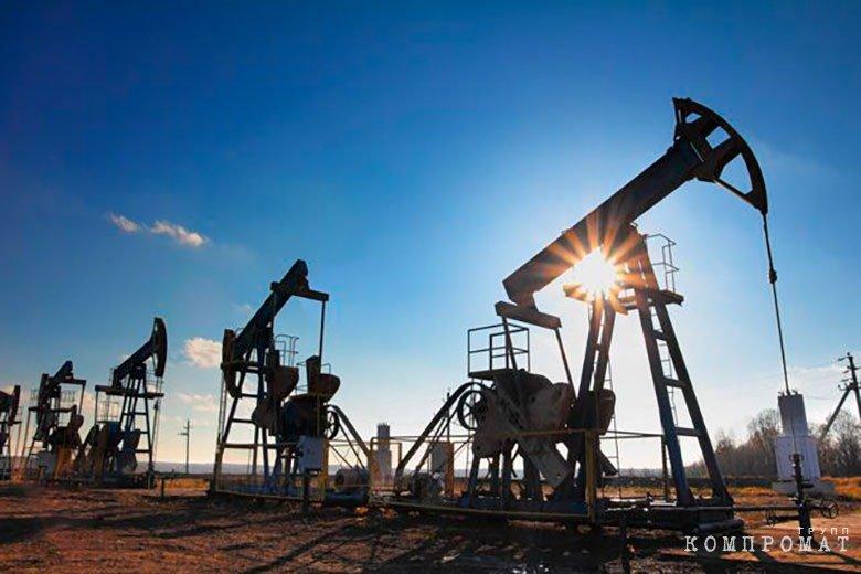 Нефтяные вышки в Сирии, захваченные боевиками
