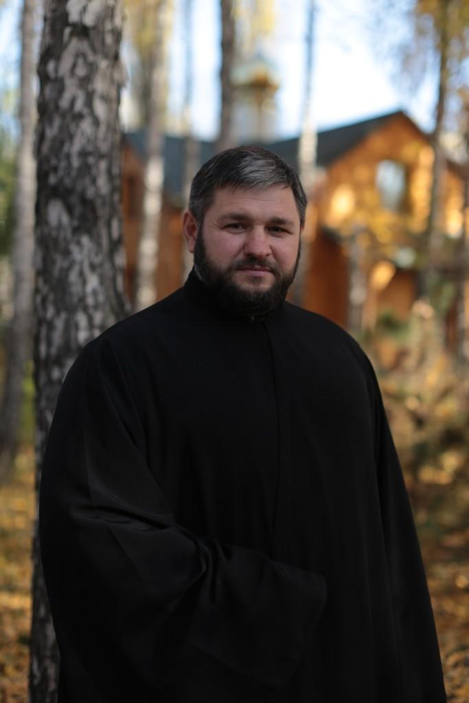 Вячеслав Павлив в образе диякона