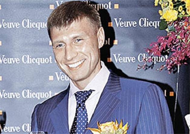 Банкир Руслан Токарев