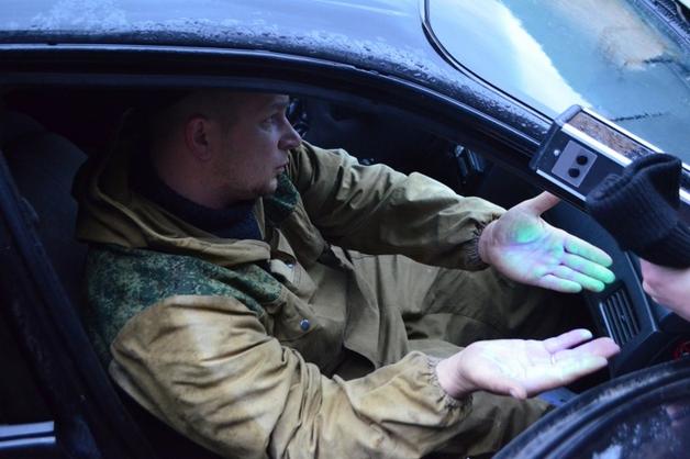 «Крышевал» «черных лесорубов». В Красноярском крае замначальника полиции района поймали с поличным на взятке